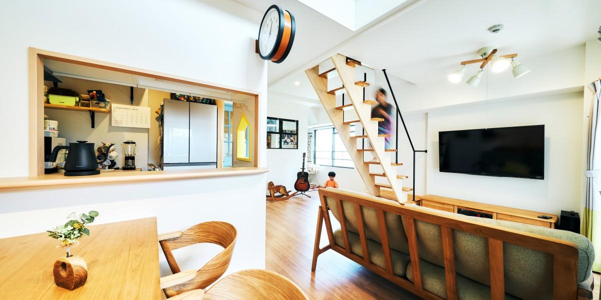吹抜けのリビングとロフトのあるマンション。|N邸