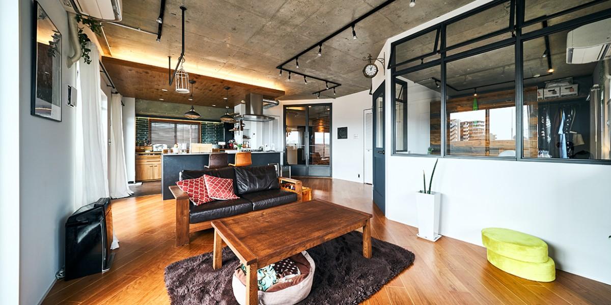 心地よさと素材感にこだわった、インダストリアルスタイルな住まい|K邸
